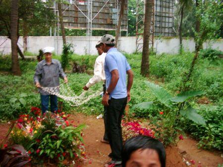 Floral tributes to Rafi Sahab