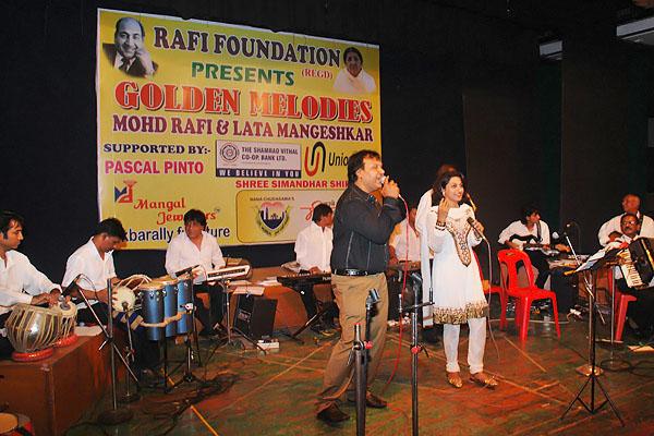 Mangalore Hanif and Mona Kamath Sizzling with Aasman se Aaya Farishta