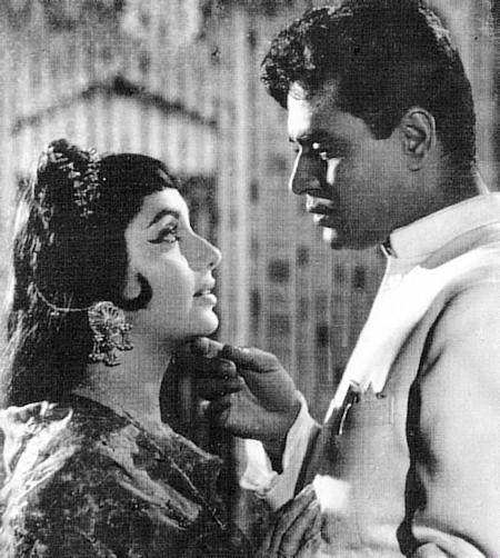 Sadhana and Rajendra Kumar in Mere Meheboob