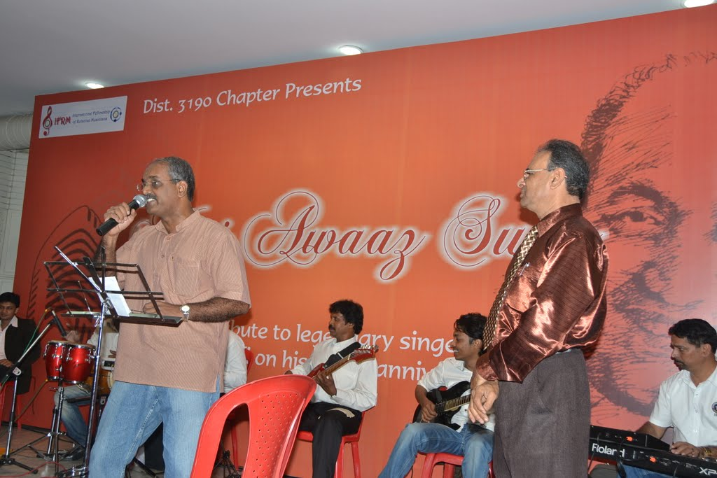 Author Vidyut rendering 'hue hai tumpe aashiq hum'